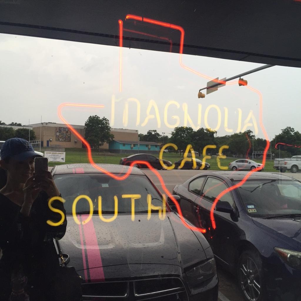 Magnolia Cafe1